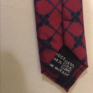 Gucci Accessories - 💯Authentic Gucci tie